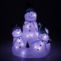 Семья озорных снеговиков