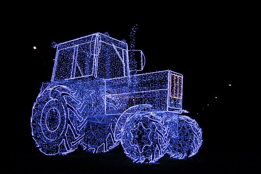 Светодиодная фигура трактора